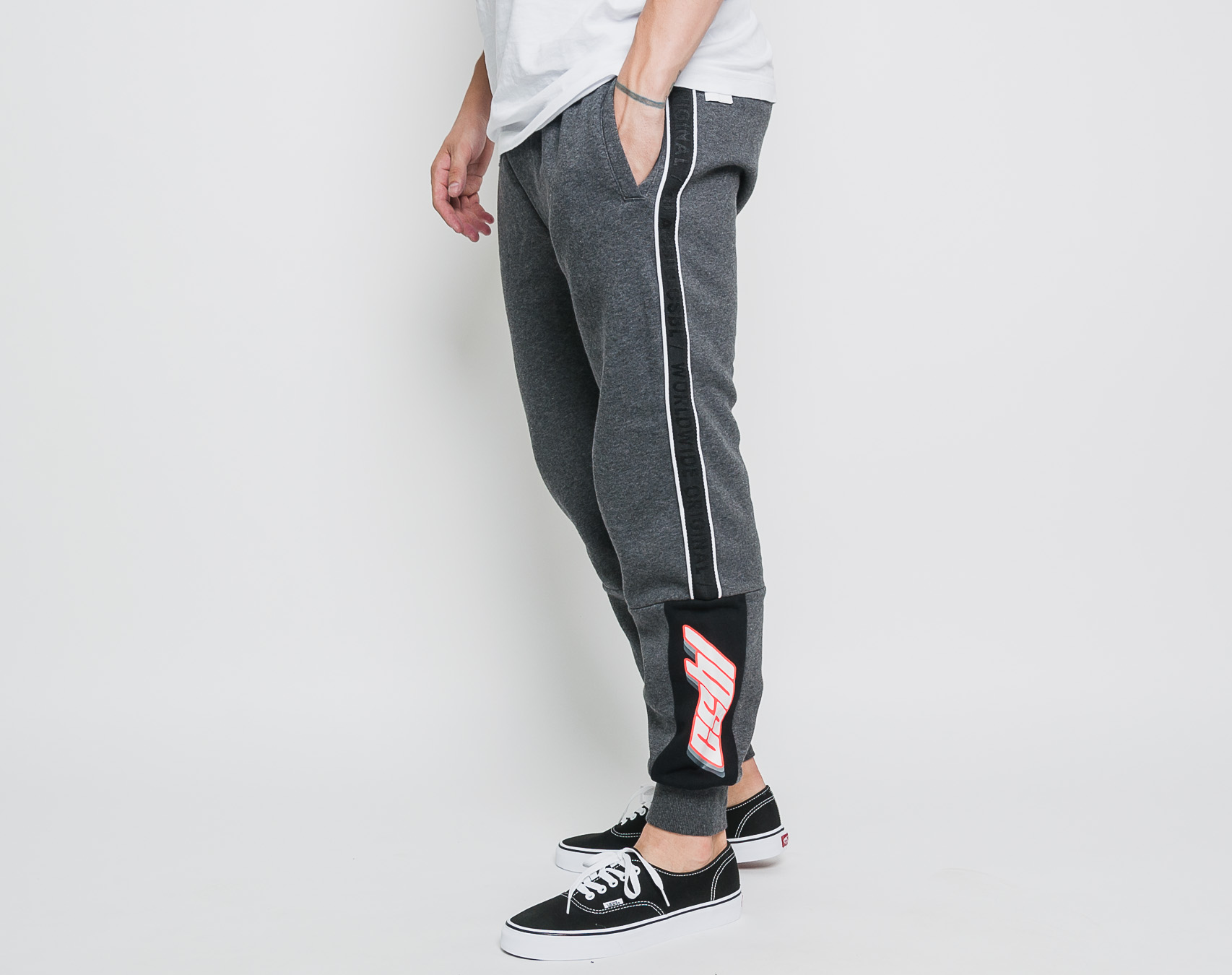 Tepláky Cayler & Sons CSBL Shifter Sweatpants Charcoal/Lazerred